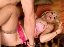 There Acquire to Be Six Ways to Fuck a MILF's Asshole