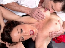 How a HORNY HOUSEWIFE sucks and screws, by Rachel Steele