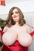 XL Girl Sylvia Bateman: Hot, Juvenile & Thick
