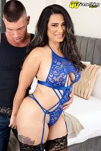Sexy Latina MILF's first on-camera fuck